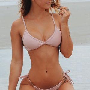 BoutineLA Bikini top